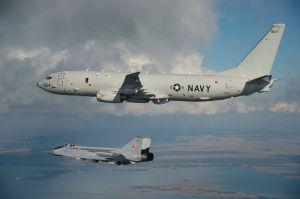 MIG-31 intercepta un avión espía Boeing P-8 Poseidon