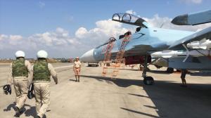 Aviadores rusos en la base aérea de Hmeymim