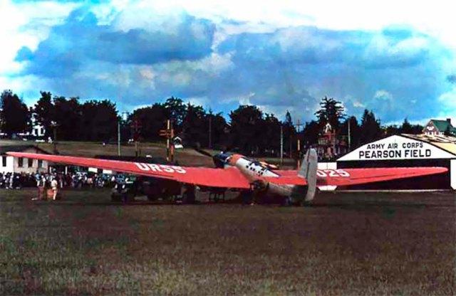 El Ant-25 en la base aerea Pearson (Vancouver, EEUU)