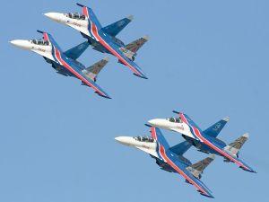 """Los Su-27 de """"Rússkie vítiazi"""""""